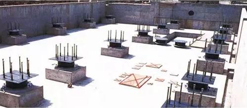 免震结构底座施工.