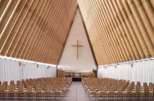 纸板教堂建筑设计.