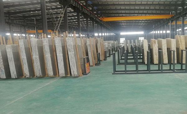 董事长刘永波参观中部石谷生产销售中心