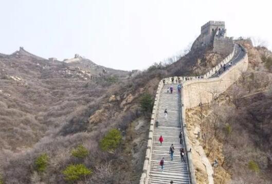 文化和旅游部通知:旅游景区接待游客量不得超过核定最大承载量30%
