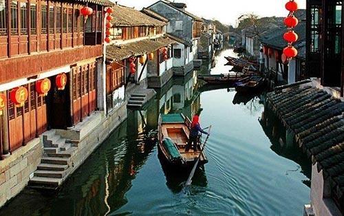 国庆假期旅游收入公布,江苏旅游居榜首,15省份超百亿!